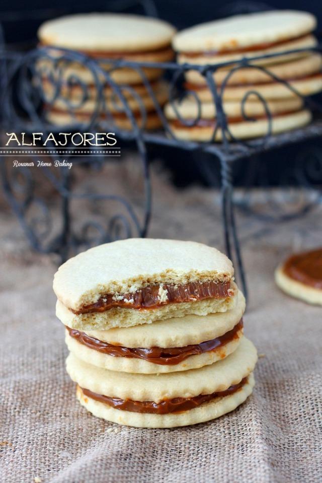 Alfajores-dulce-de-leche-sandwich-cookies-recipe-4
