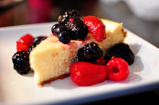 Light Lemon Berry Cheesecake